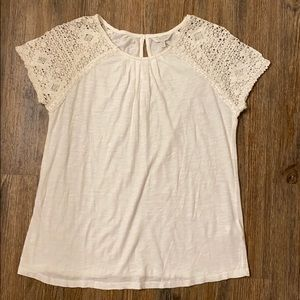 NEW Lucky Brand T-shirt with lace